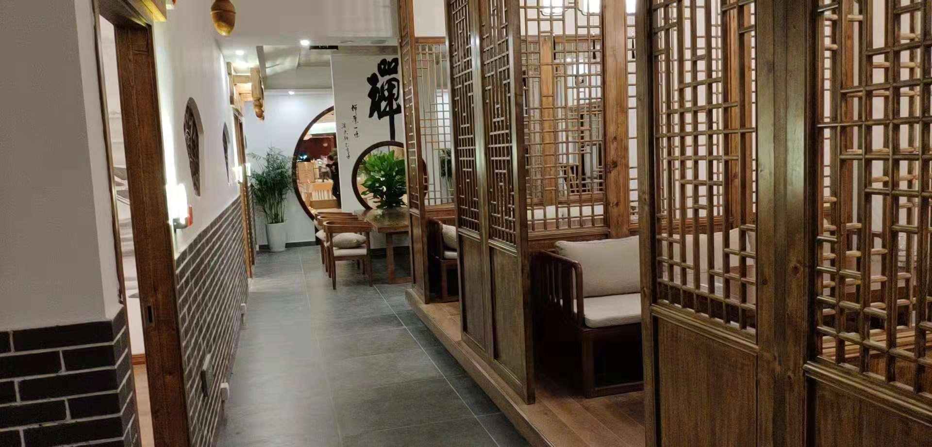 新中式茶楼隔断装修